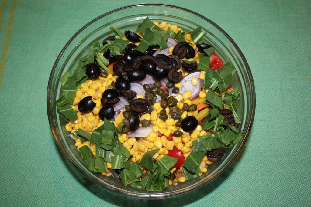 insalata di farro - aggiungere rucola e olive