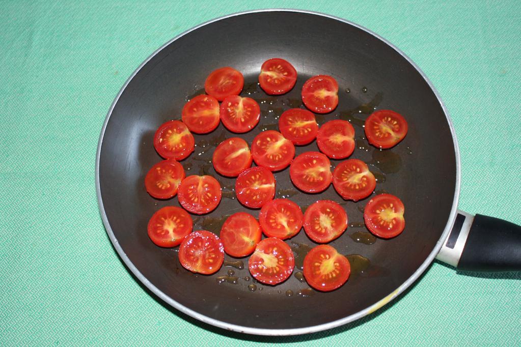 penne con crema di fagioli e pomodori appassiti - cuocere i pomodori