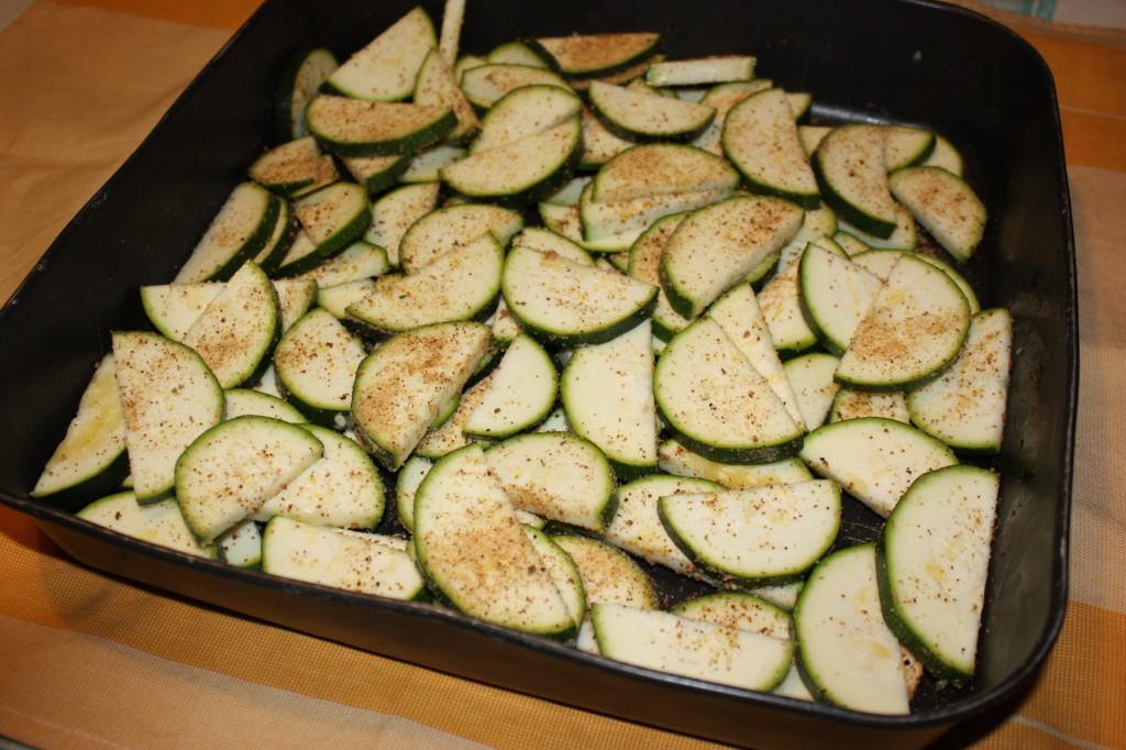 zucchine alle erbe aromatiche - dispongo nella teglia
