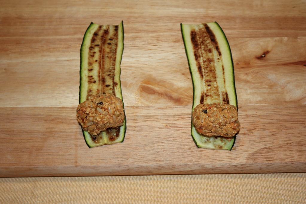 involtini di zucchine e riso - mettere il riso sulla zucchina