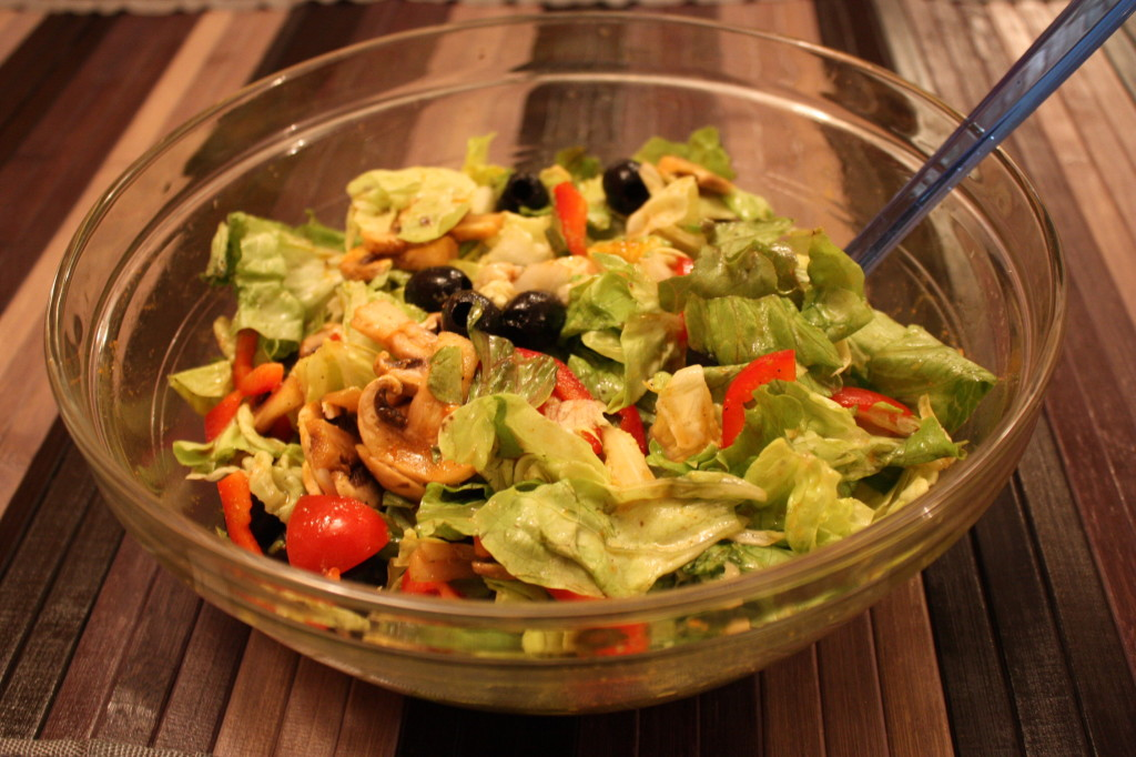 Insalata mista con avocado - piatto finito