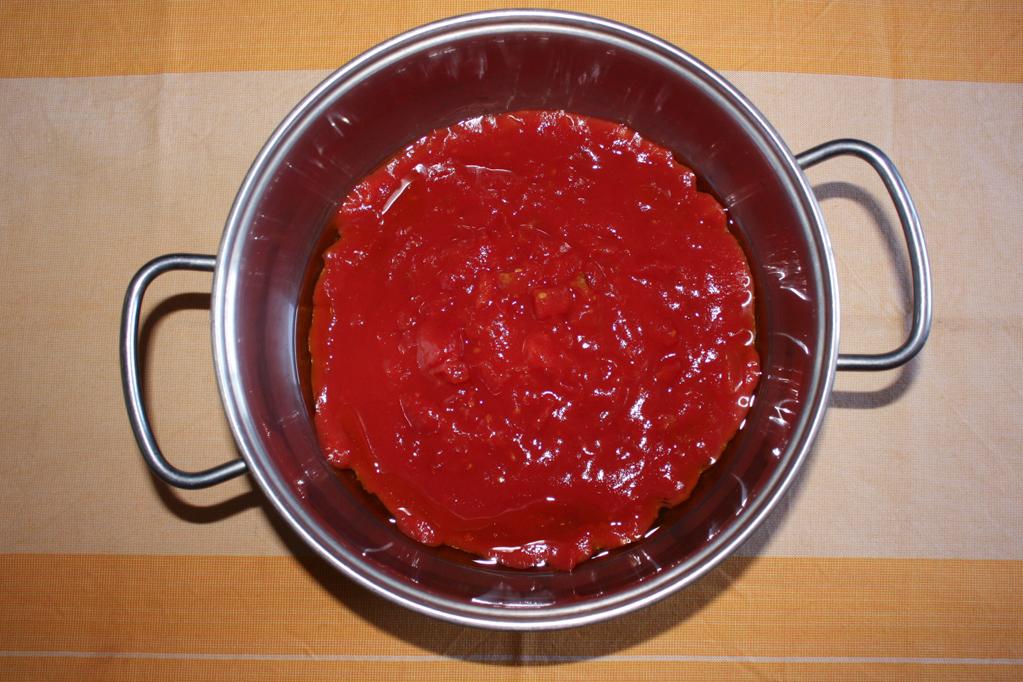 parmigiana di zucchine - salsa di pomodoro