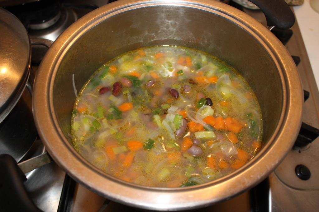 zuppa di farro - aggiungere i fagioli
