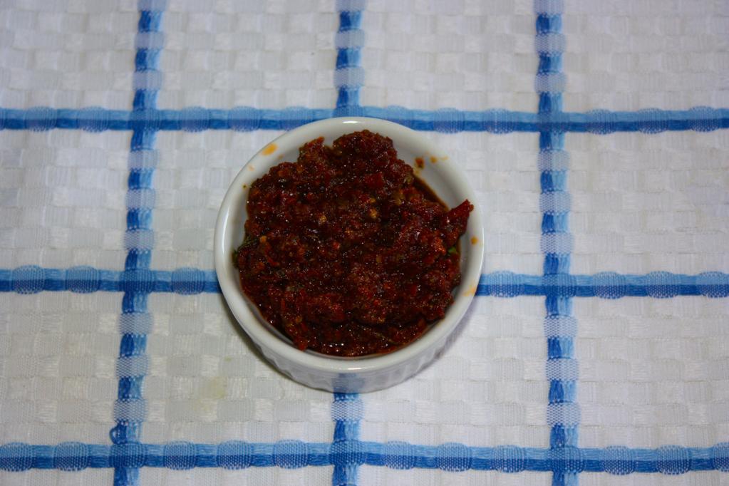 spaghetti alle zucchine e pesto di pomodori secchi - pesto di pomodori secchi
