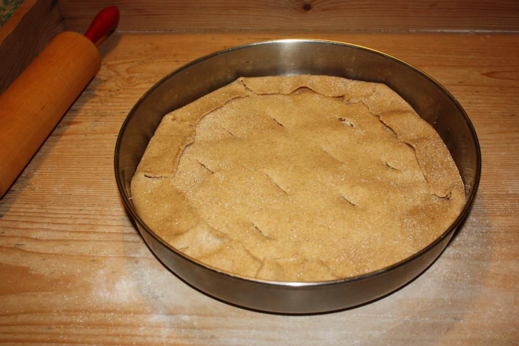 torta salata con tofu e verdure - chiudiamo la torta