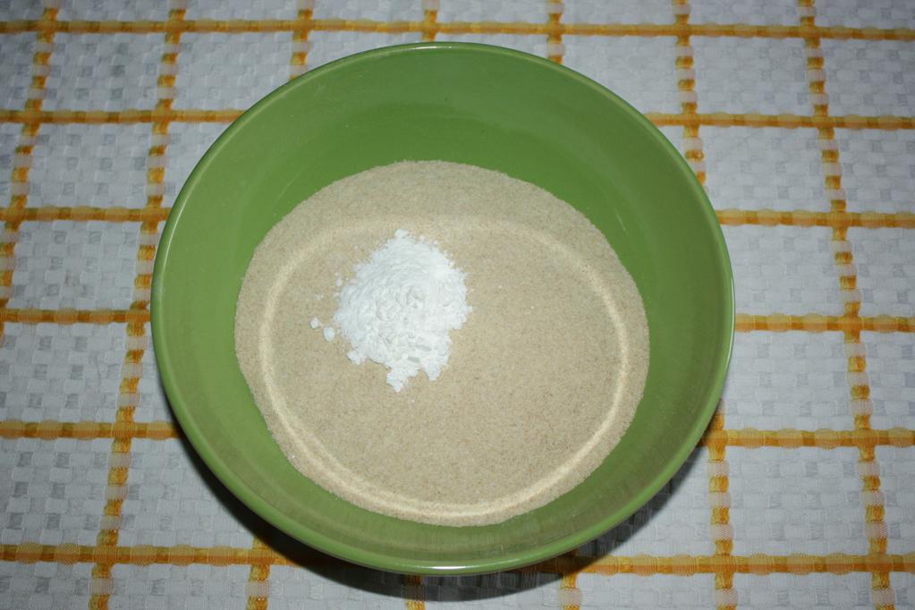 muffin ai mirtilli - setacciare la farina