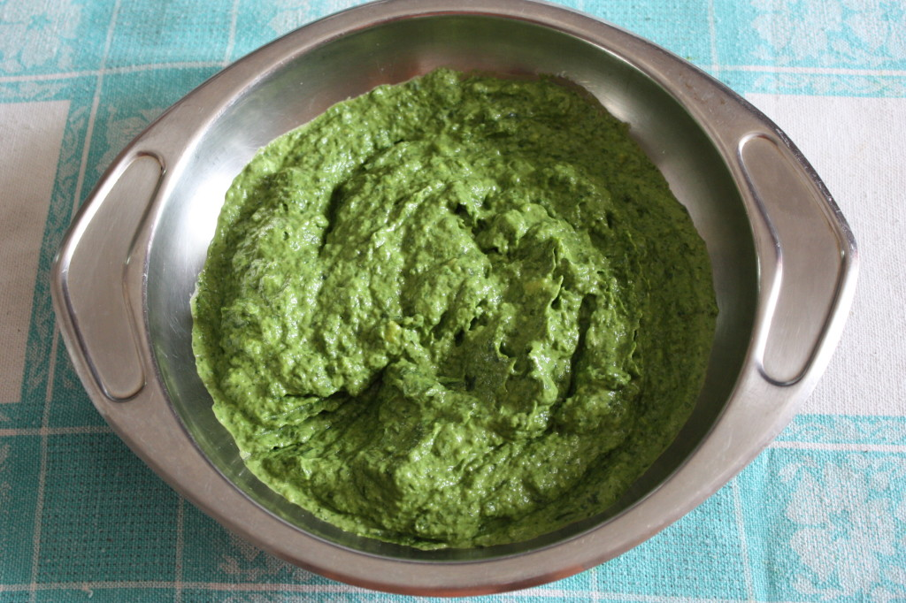 penne al pesto di rucola e avocado - frullare rucola e avocado