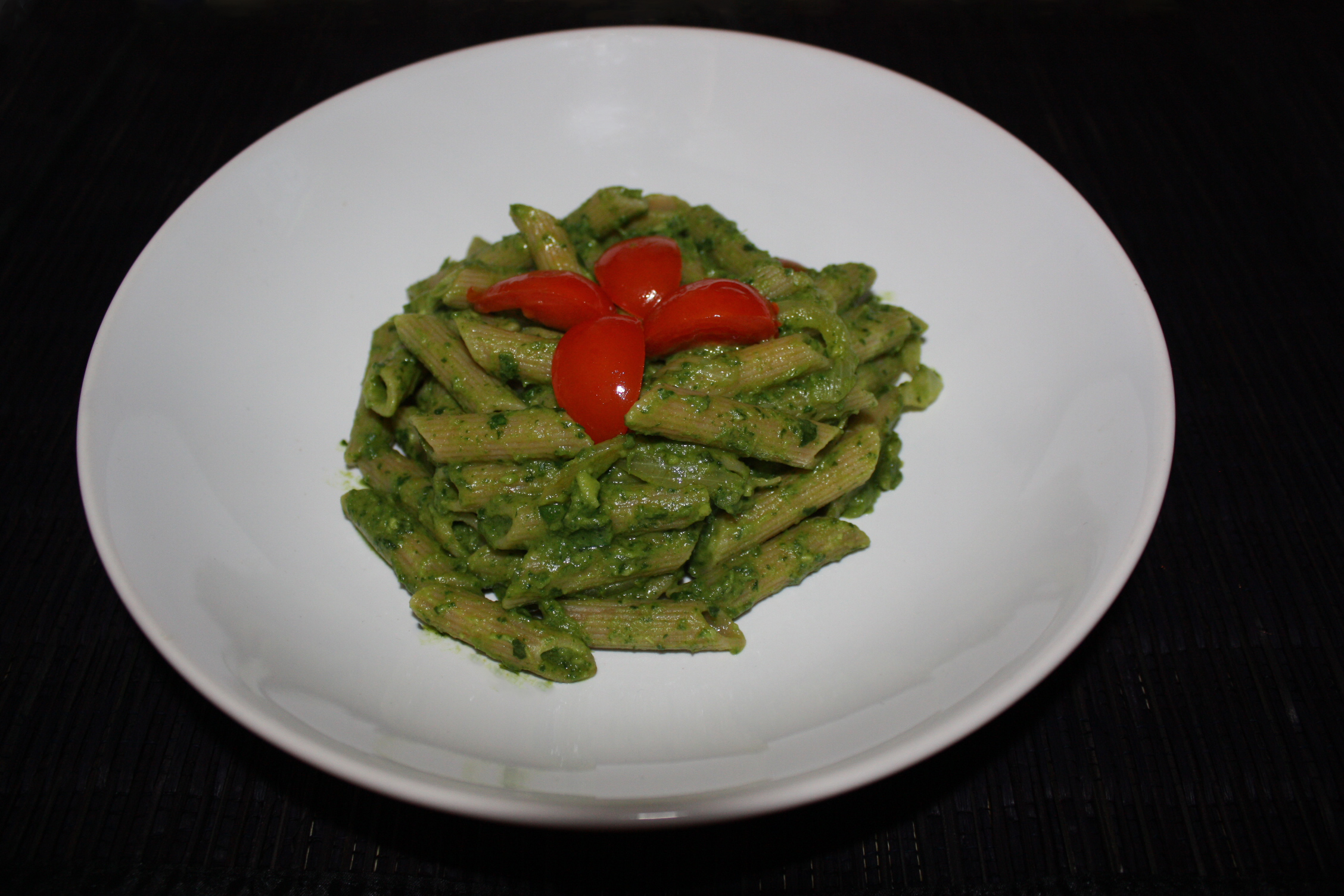 Penne Al Pesto Di Rucola E Avocado – Piatto Pronto