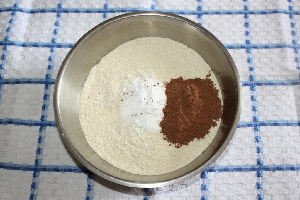 Plumcake al cioccolato e frutti di bosco - ingredienti secchi