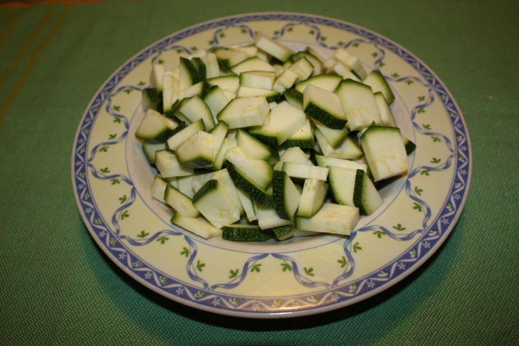 fagottini di verdure - tagliare le zucchine