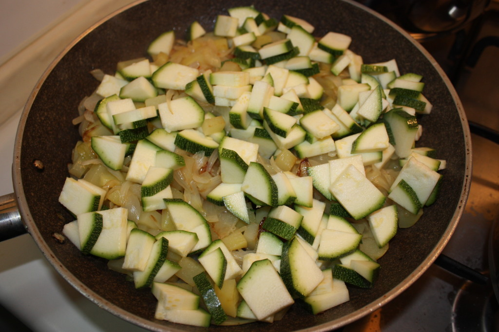 fagottini di verdure - cuocere le zucchine