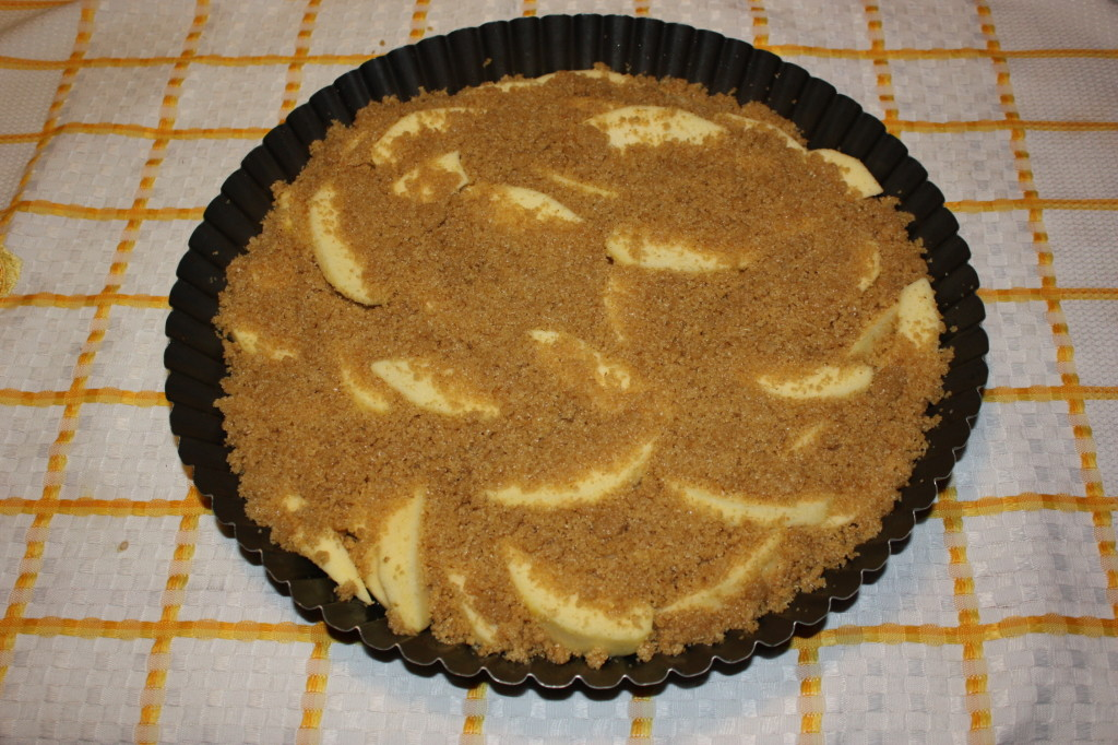 apple crumble vegan - aggiungo l'impasto