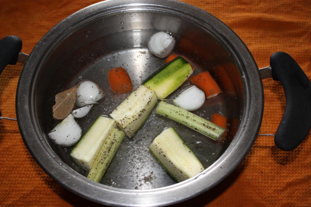 riso venere con funghi, carciofi e mela - brodo vegetale