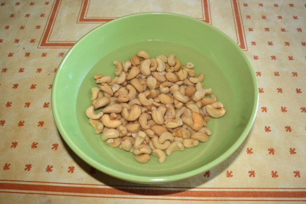 formaggio vegan di anacardi - anacardi in ammollo