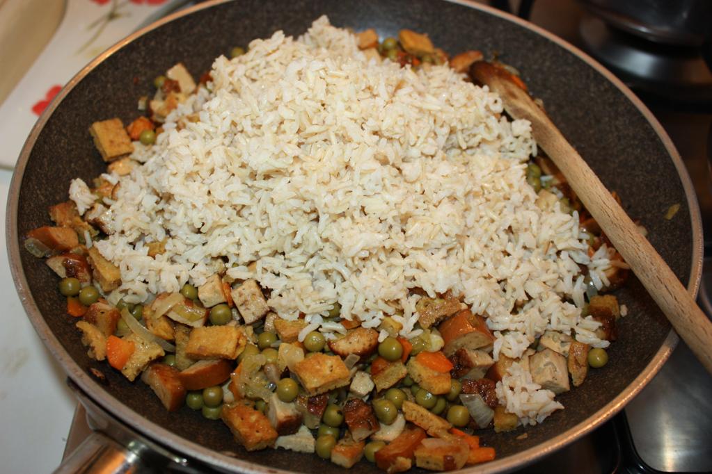 riso cantonese - aggiungere il riso