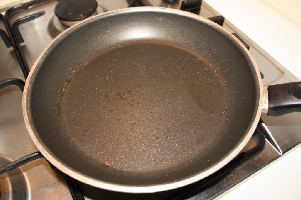 pancake vegan - scaldare la padella