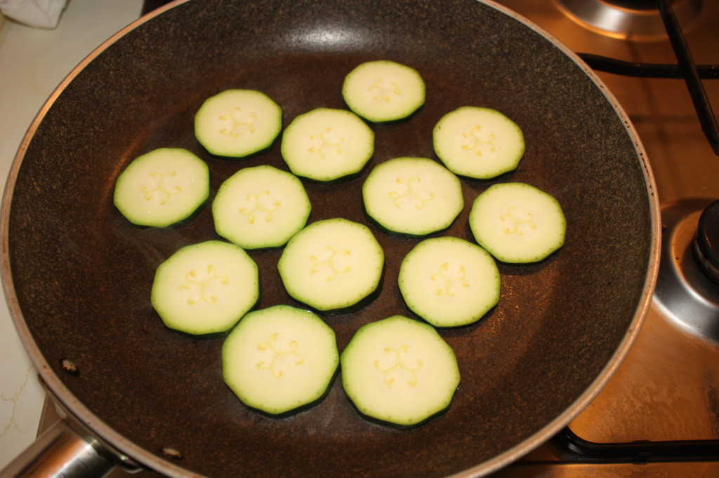 fantasia di verdure - grigliare le zucchine
