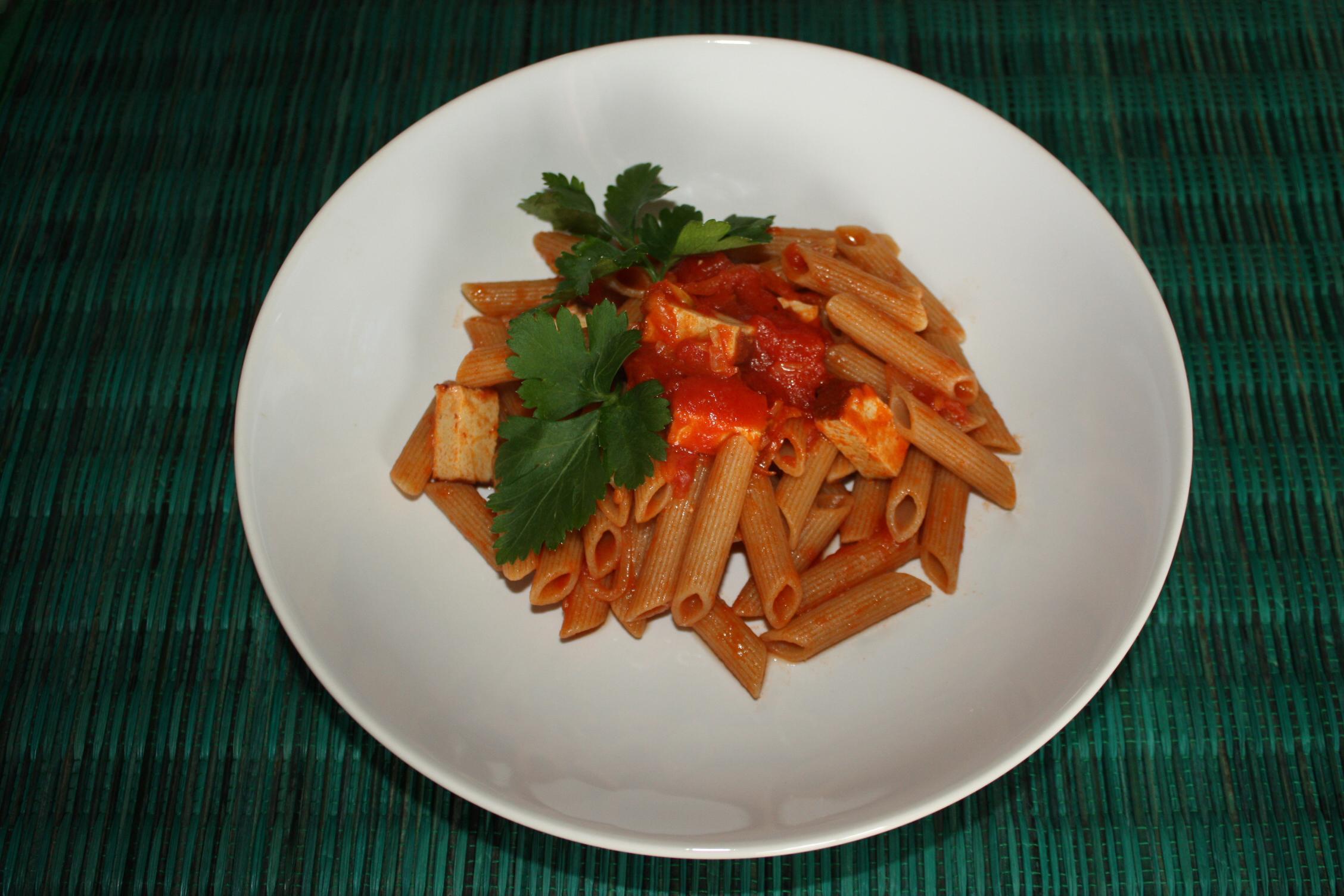 Penne Al Pomodoro E Tofu Affumicato – Piatto Pronto