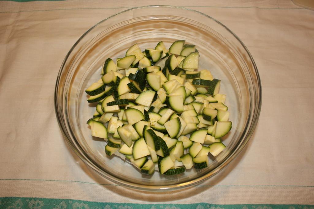 crostata di verdure - tagliare le zucchine