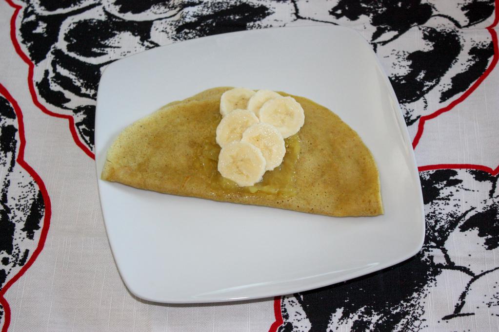 crepes alla banana - piegare la crepes