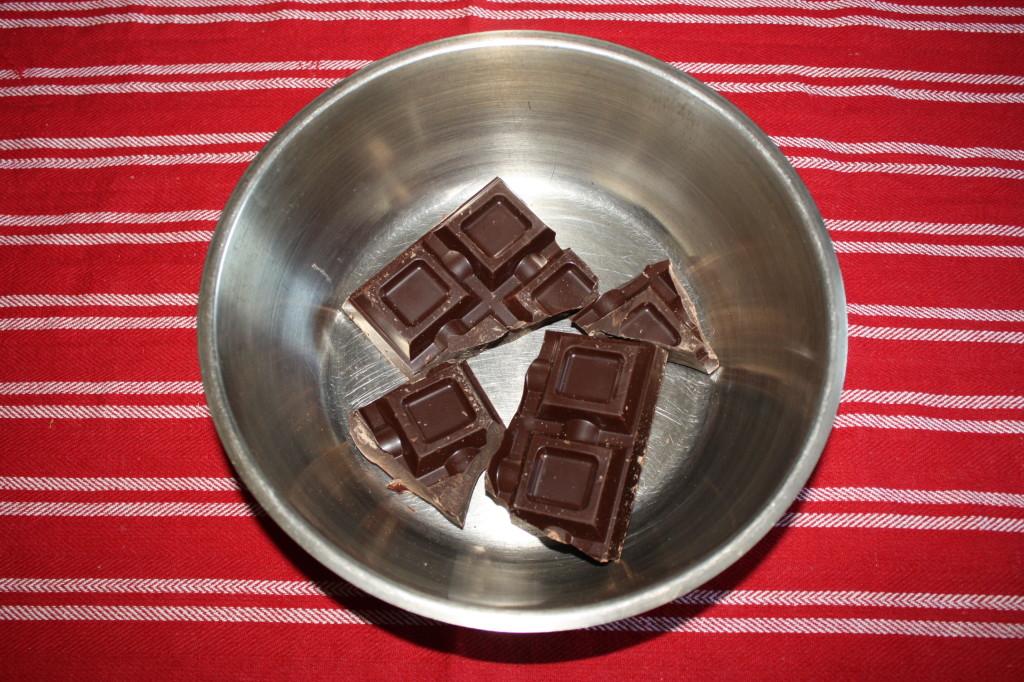 salame al cioccolato - scigliere il cioccolato