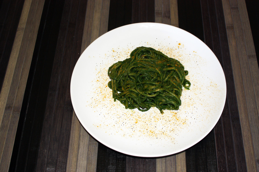 linguine al pesto di spinaci - piatto pronto