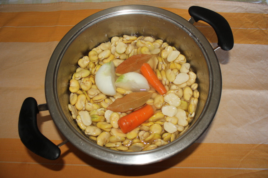 favetta e cicoria - cuocere le fave