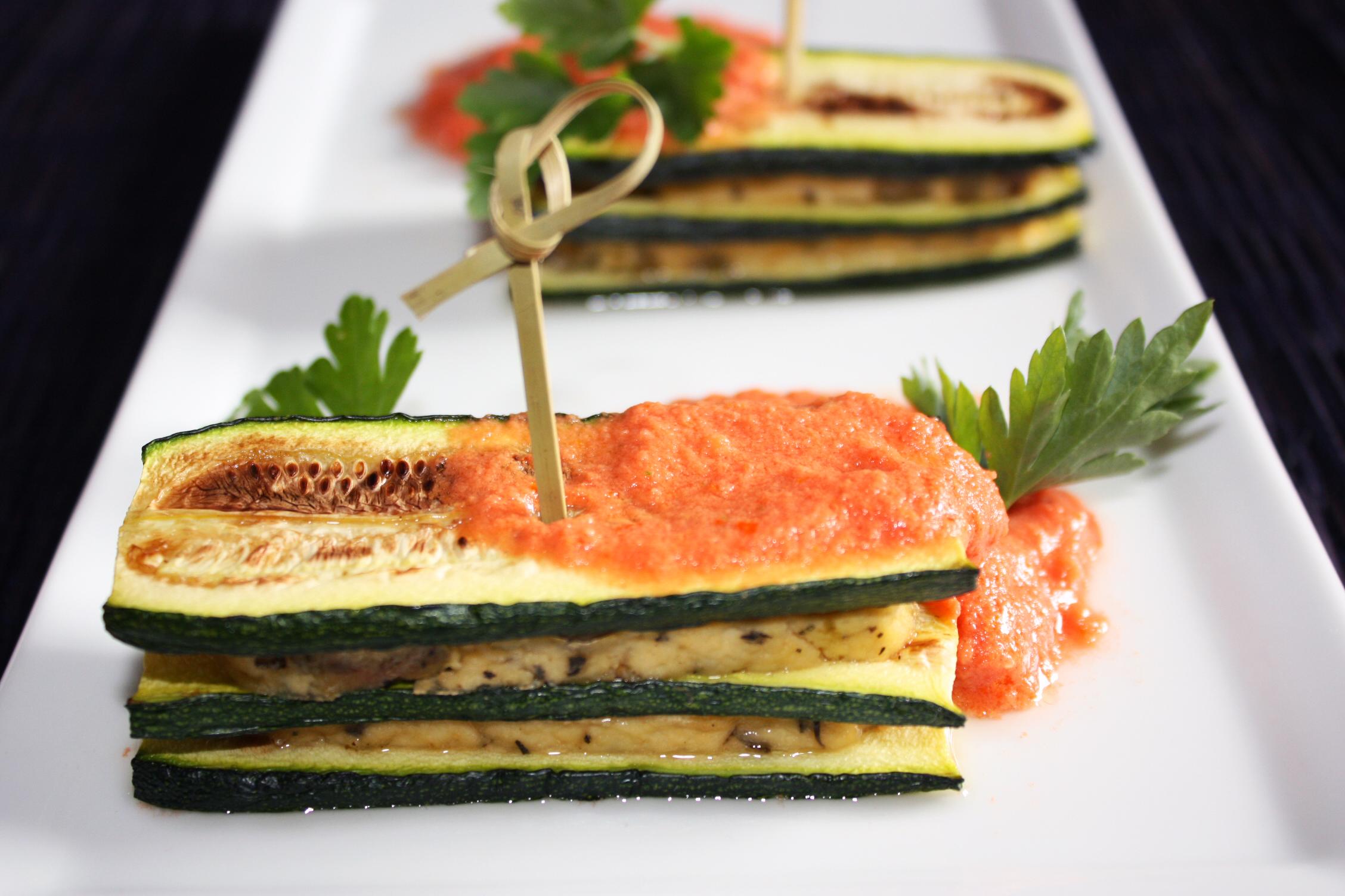Mattoncini Di Zucchine E Tofu Con Crema Di Pomodoro – Piatto Pronto