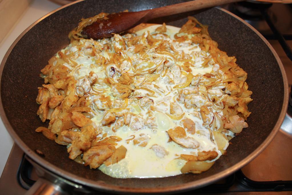 bocconcini di soia al curry - aggiungiamo la panna di soia