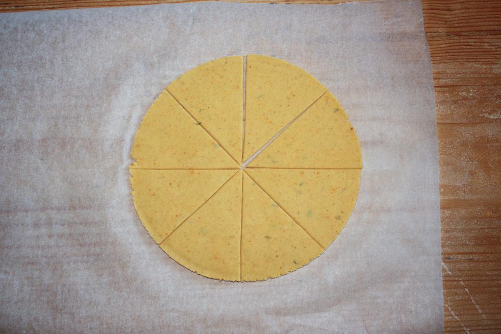 nachos - tagliare in 8 spicchi