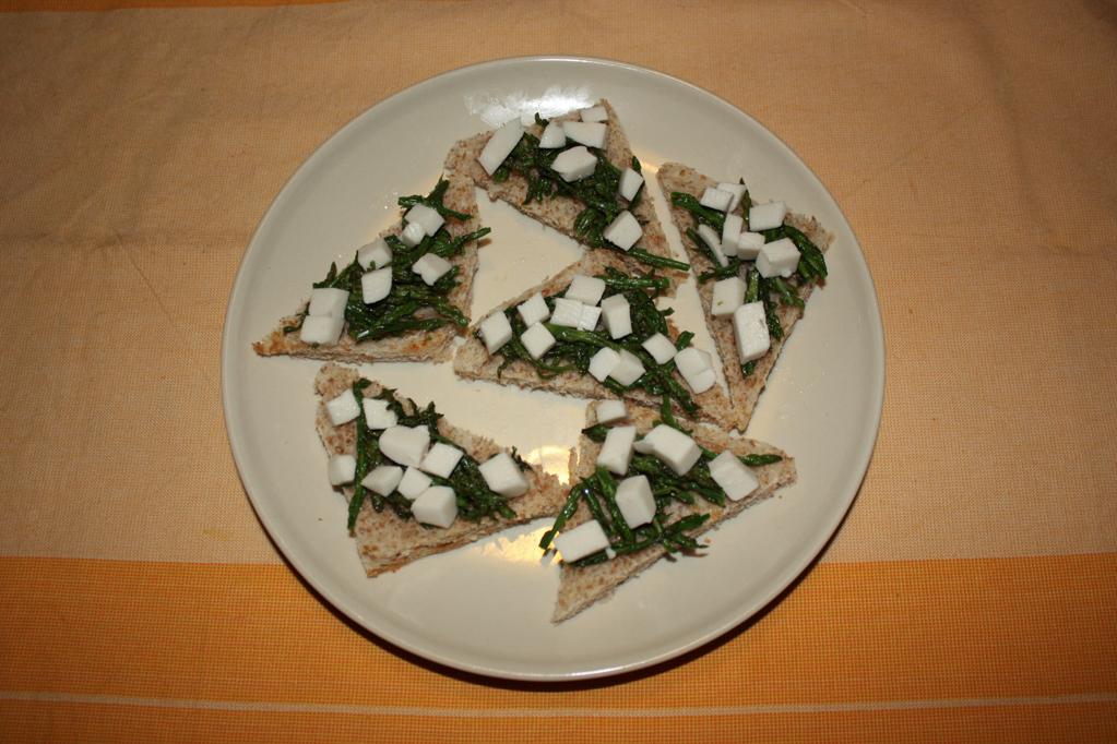 crostini di asparagi - aggiungere la mozzarisella