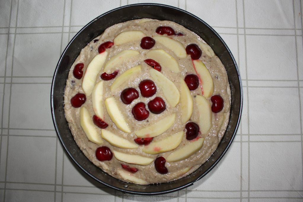 torta di mele e ciliegie - preparazione completa