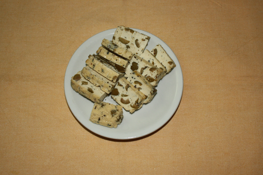 tofu alla pizzaiola - tagliare il tofu