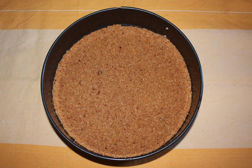 torta di mandorle e anacardi - base torta