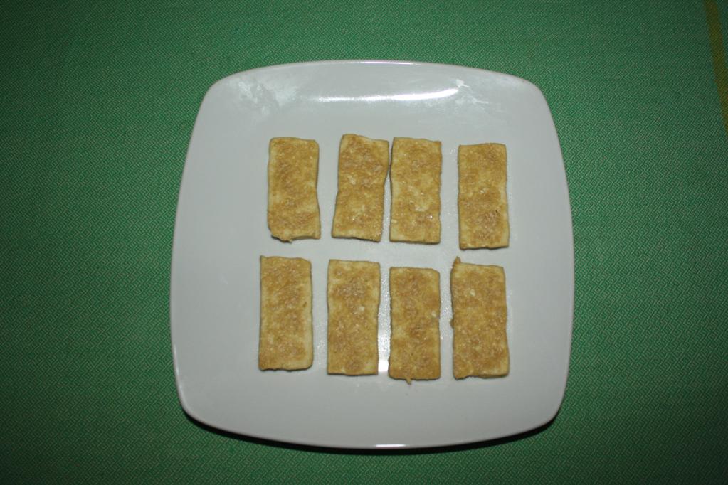asparagi con chips di tofu e pomodorini - chips di tofu