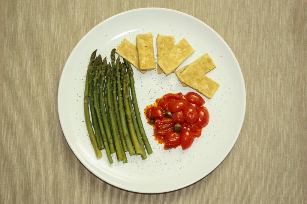 Asparagi Con Chips Di Tofu E Pomodorini – Piatto Pronto