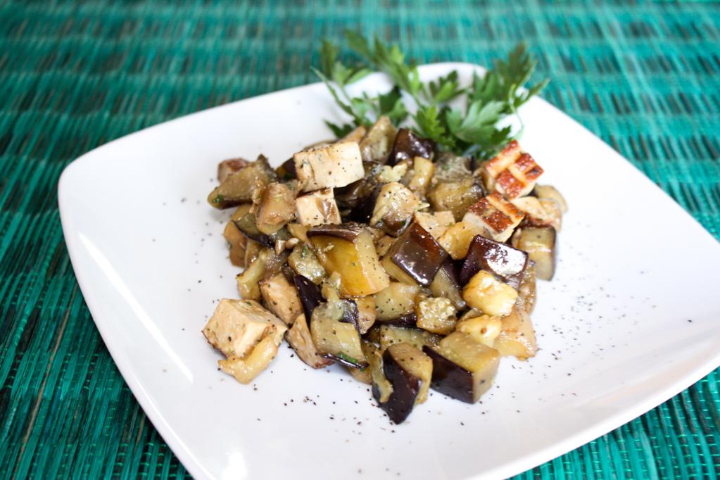 Dadolata Di Melanzane E Tofu Affumicato – Piatto Pronto