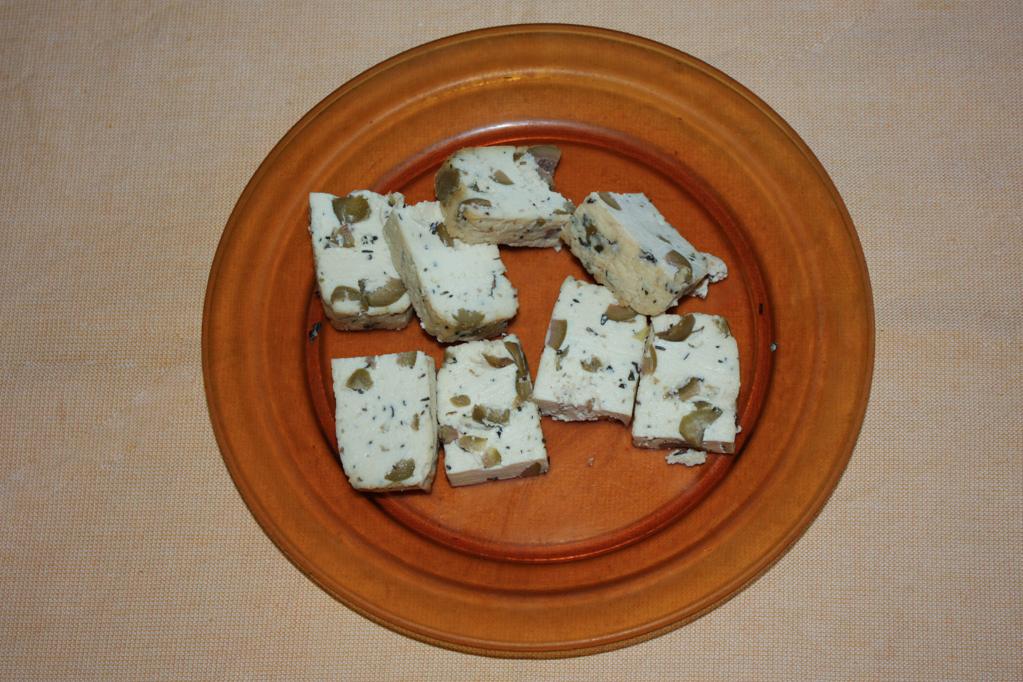 zucchine saltate con tofu cremoso - tagliare il tofu