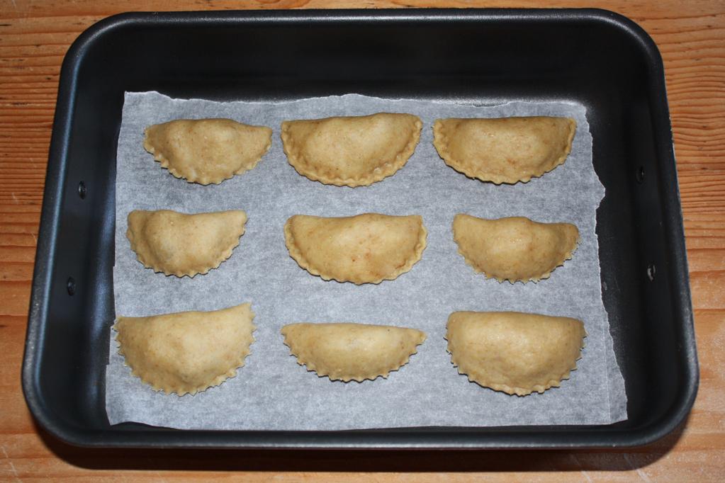 panzerottini alle pere e cioccolato - infornare i panzerottini