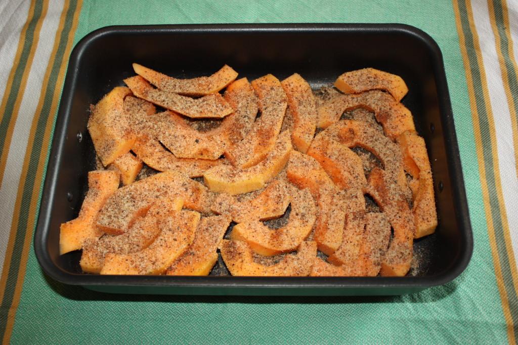 zucca gratinata - aggiungo il pan grattato