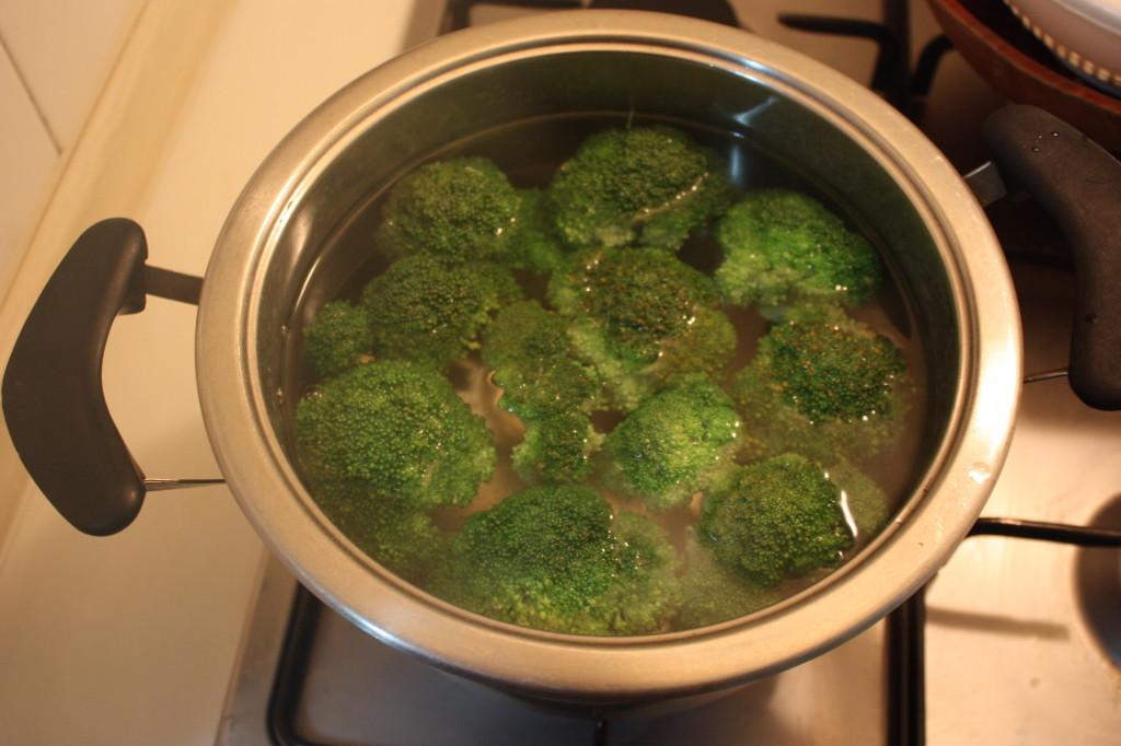 broccoli gratinati - lessare i broccoli