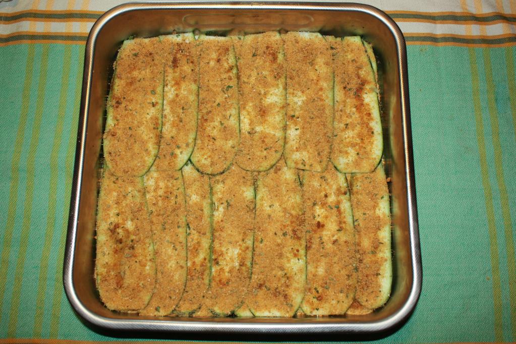 zucchine gratinate - preparare gli strati di zucchine